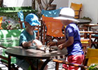 Kafenés - children playing chess